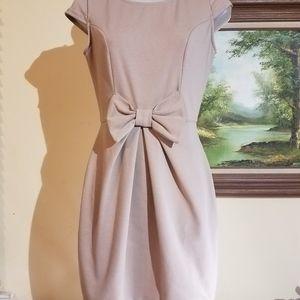 Nude bow dress l7